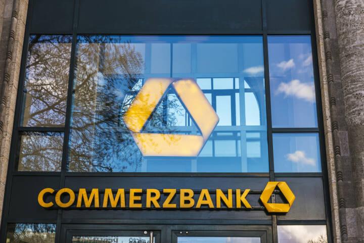 Commerzbank Logo - https://de.depositphotos.com/158649562/stock-photo-bank-branch-of-commerzbank-in.html