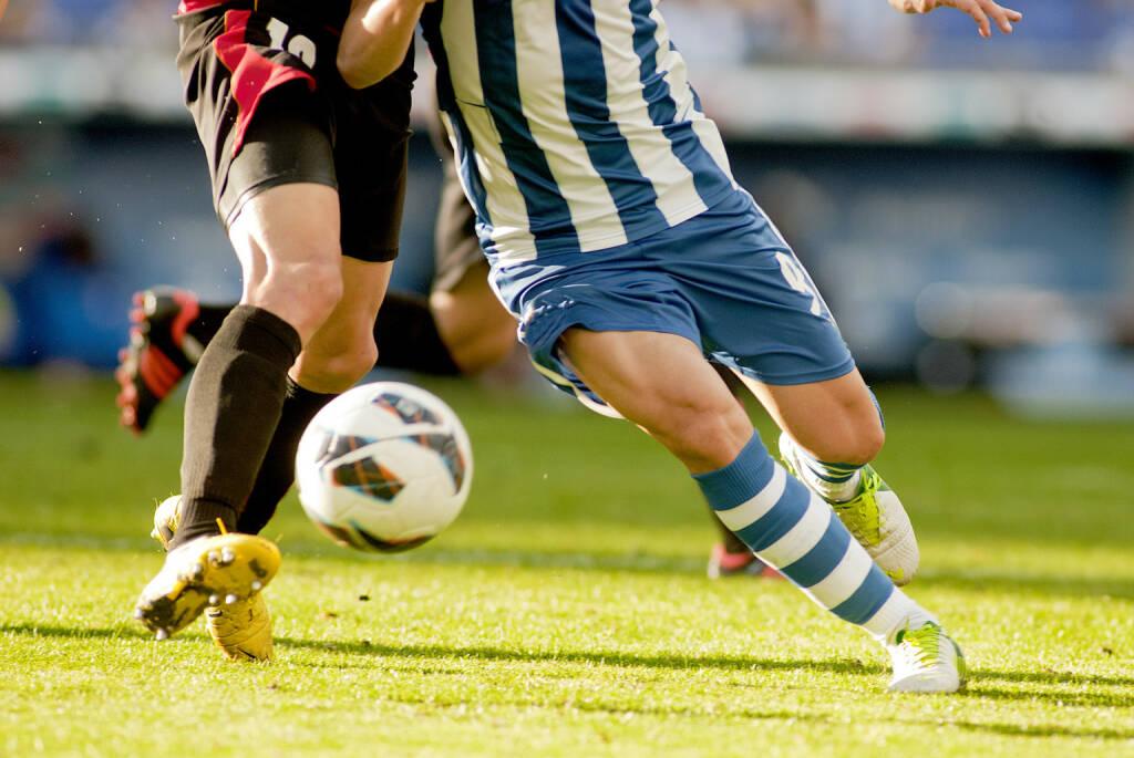 Fußball, Rasen, Fußballer - https://de.depositphotos.com/49597781/stock-photo-soccer-action.html, &copy; <a href=