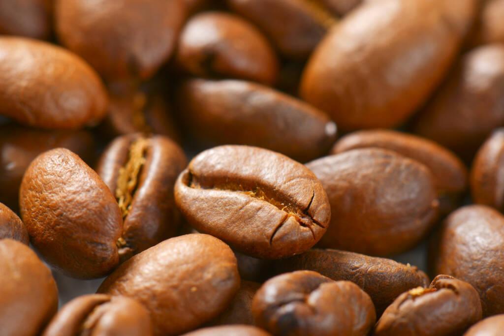 Kaffee, Kaffeebohnen - https://de.depositphotos.com/166504276/stock-photo-roasted-coffee-beans.html, &copy; <a href=
