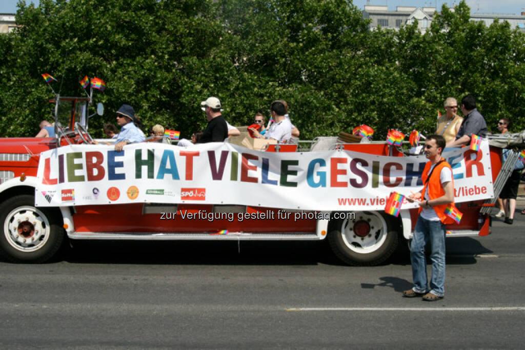 Regenbogenparade in Wien, Liebe hat viele Gesichter (14.06.2013)
