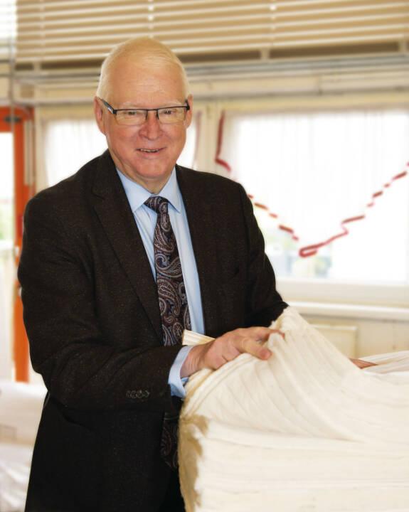 Betten Reiter feiert 65jähriges Jubiläum. GF Peter Hildebrand: Mehr als eine Million Österreicher schlafen bereits in Produkten der Reiter-Manufaktur. Wir sehen in der steigenden Nachfrage nach Qualität und Regionalität den Trend zur Wertschätzung heimischer Waren. Diesen Weg werden wir künftig mit dem Leondinger Produktionsbetrieb weiter forcieren. Bild: Betten Reiter