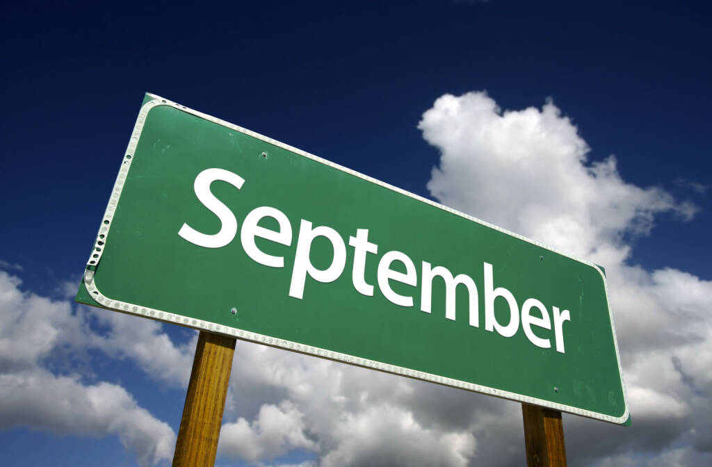 September - https://de.depositphotos.com/2328901/stock-photo-september-green-road-sign.html, &copy; <a href=