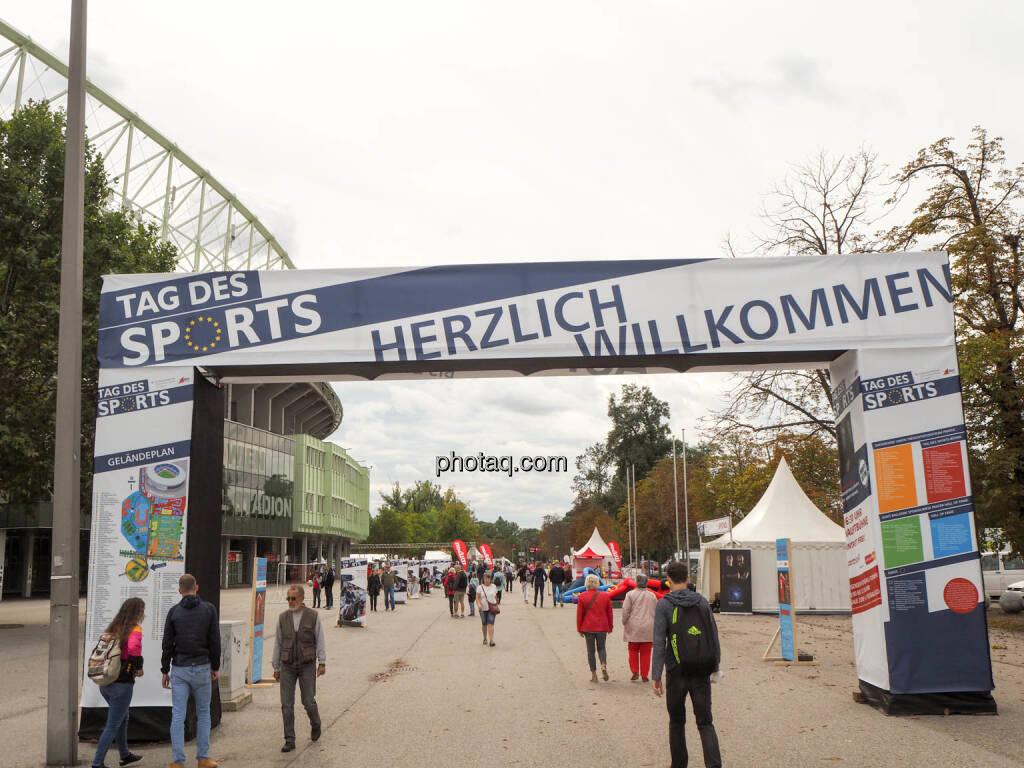 Herzlich Willkommen, © photaq.com (23.09.2018)
