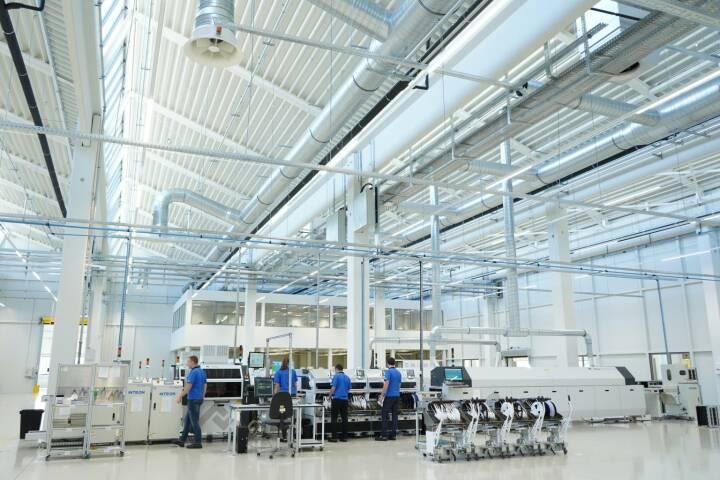 Zumtobel Group eröffnet neues Werk in Niš, Serbien:  Auf 40.000 Quadratmetern wird der neue Standort LED-Leuchten und LED-Driver herstellen. Credit: Zumtobel