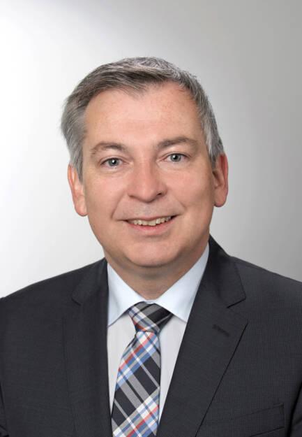 Erwin Haselberger hat die Position als Direktor für Vertrieb & Marketing der ifa AG übernommen. Zuletzt war er als Landesdirektor für Oberösterreich in der Wüstenrot Gruppe tätig, wo er unter anderem für den Auf- und Ausbau der Vertriebskanäle im Stamm-, Makler- und Partnervertrieb zuständig war. Die ifa AG ist der Spezialist für Immobilieninvestitionen für private und institutionelle Anleger. Credit: ifa (08.10.2018)