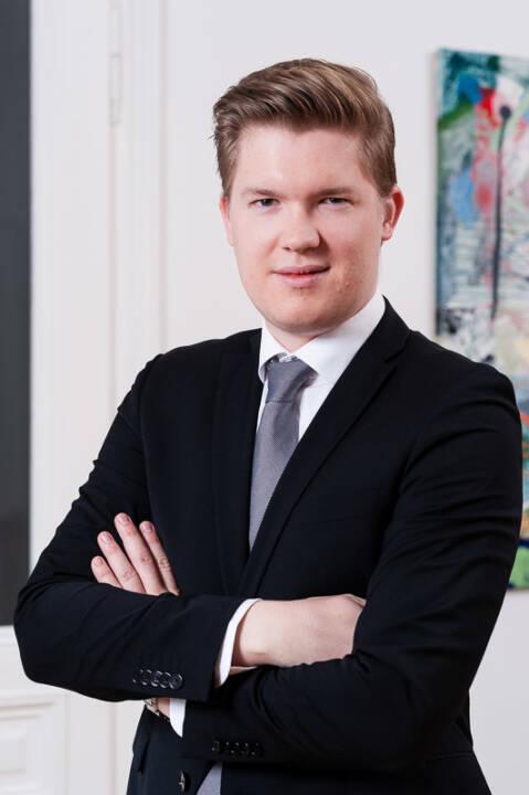 Der gebürtige Neuseeländer Dennis Siebott startet bei der Managementberatung Horváth & Partners Wien im Organization & Operations Team. Credit: Horváth & Partners