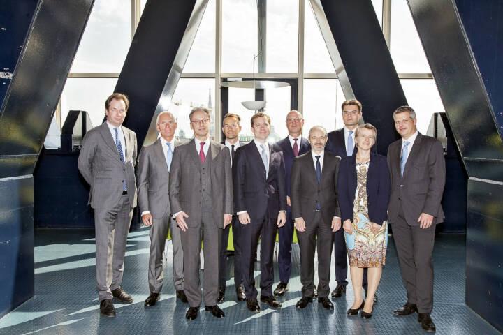 Bereits zum siebenten Mal fand der Wiener Unternehmensrechtstag statt. Im Fokus stand das Thema Mergers & Acquisitions - die Übertragung von Unternehmen. Im Bild v.l.n.r.: Mag. Heinrich Foglar-Deinhardstein (CHSH RAe), Dr. Stephan Frotz (Frotz Riedl RAe), Dr. Peter Feyl (Schönherr RAe), Dr. Axel Anderl (DORDA), Dr. Stefan Fida (B&C Privatstiftung), Prof. Dr. Roger Kiem (White & Case LLP), Prof. Dr. Lukas Glanzmann (Baker McKenzie Zürich), Dr. Mario Gall, (Pelzmann Gall RAe, EY Law), Prof. Dr. Susanne Kalss (WU Wien), Prof. Dr. Ulrich Torggler (Juridicum/Universität Wien); Copyright: Christina Anzenbeger-Fink