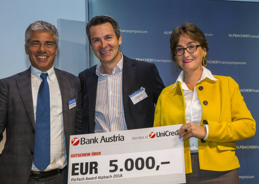"Beim 32. Alpbacher Finanzsymposium wurde der ""FinTech Award Alpbach 2018"" der UniCredit Bank Austria an Private Alpha verliehen. Der Preis ist mit 5.000 Euro dotiert und wurde erstmals in diesem Jahr vergeben. Im Bild v.li.: Hannes Enthofer, Geschäftsführer FinanceTrainer International GmbH, Christoph J. Gum, CEO & Co-Founder Private Alpha Switzerland AG (Gewinner), Susanne Wendler, Bereichsvorstand Firmenkunden, UniCredit Bank Austria AG, Copyright: UniCredit Bank Austria, © Aussendung (12.10.2018)"
