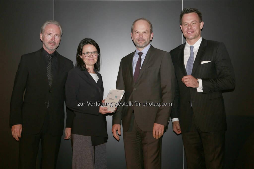 Gerda Königstorfer (AT&S), Andreas Gerstenmayer (AT&S), Christoph Boschan (Wiener Börse), © C.I.R.A./APA-Fotoservice/Bargad Fotograf/in: Nadine Bargad (18.10.2018)