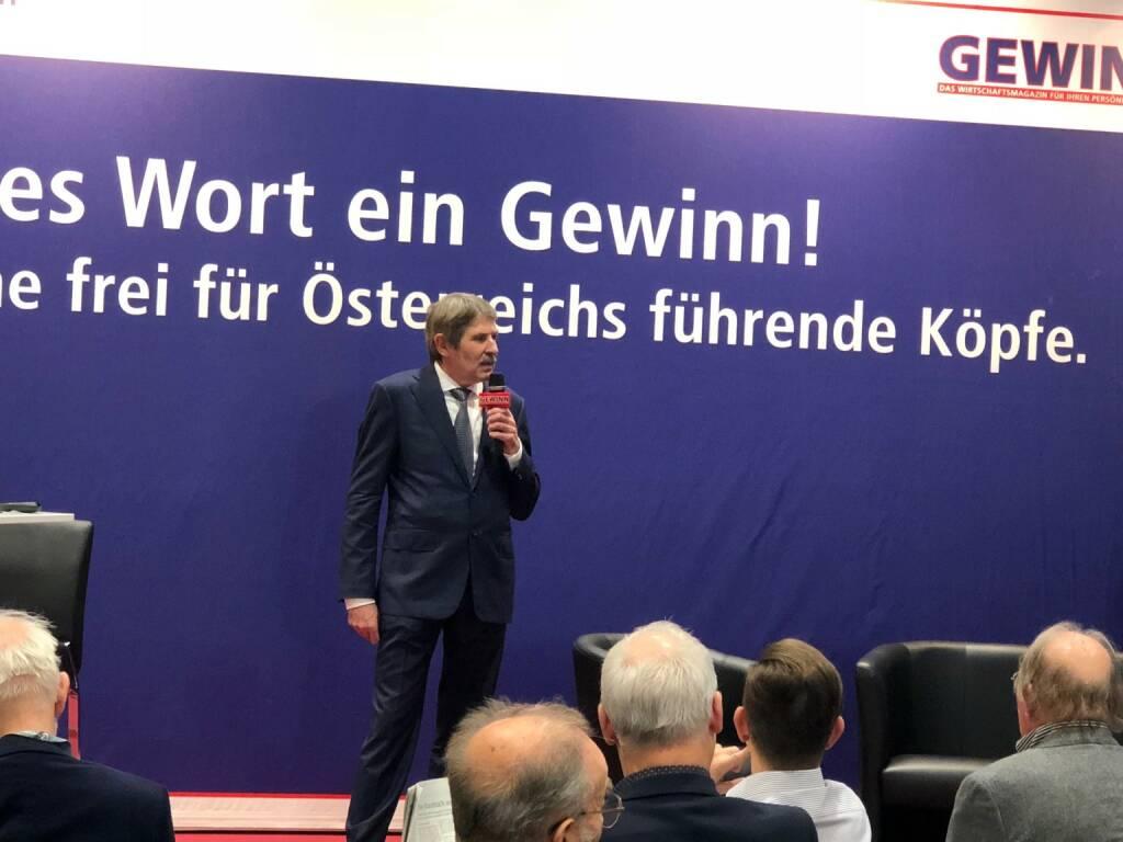 S Immo-Chef Ernst Vejdovszky als Star der Stunde auf der Gewinn Messe (18.10.2018)