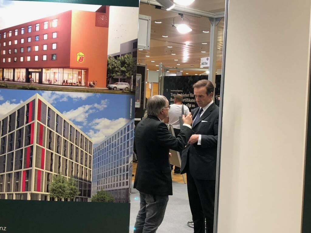 Anleger Berthold Berger mit UBM-CEO Thomas G. Winkler (18.10.2018)