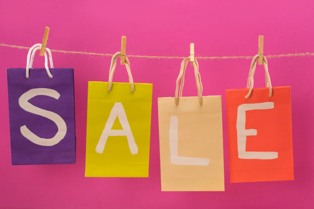 Sale, Sales, Verkauf, verkaufen - https://de.depositphotos.com/152745222/stock-photo-sale-signs-on-shopping-bags.html, &copy; <a href=