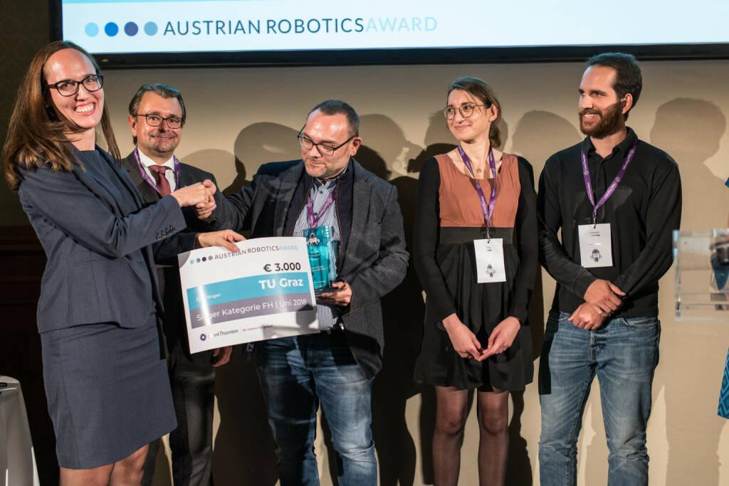 Grant Thornton Austria GmbH: Austrian Robotics Awards Premiere: Fullhouse, spannende Vorträge, lachende Gewinner und ein Sonderpreis, Fotocredit:Moritz Nachtschatt, © Aussendung (29.10.2018)