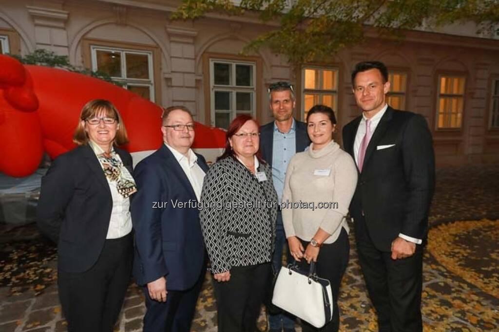 Henriette Lininger, Gregor und Yvette Rosinger, Michael Eisler (startup300), Alexandra Rosinger, Christoph Boschan (Wiener Börse), © APA-Fotoservice (29.10.2018)