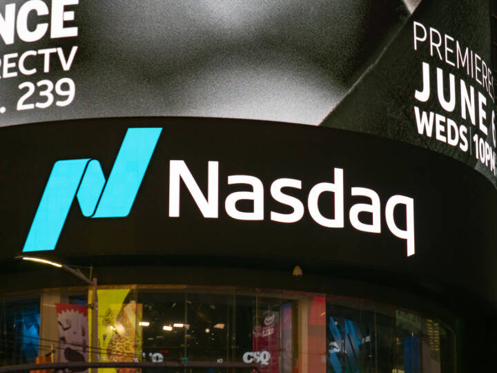 Nasdaq, Logo - https://de.depositphotos.com/198580602/stock-photo-new-york-may-2018-nasdaq.html