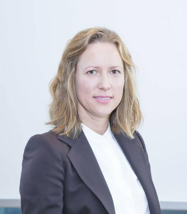 Carmen Keider MA, 39, verstärkt ab November 2018 als Asset Managerin das Team der Immo Solutions GmbH.  Damit vergrößert sich dasTeam rund um die geschäftsführenden Gesellschafter Harald Kopertz und Christian Schön. In ihrer Funktion als Asset Managerin zeichnet Keider vorwiegend für die Weiterentwicklung  von Bestandsimmobilien verantwortlich.