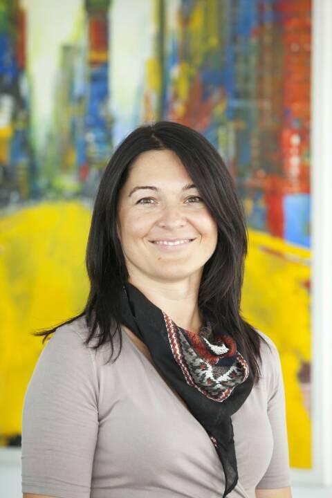 """Magistra Birgit Eder (44) ist vom Vorstand der ARAG SE zur Niederlassungsleiterin der """"ARAG SE - Direktion für Österreich"""" mit Sitz in Wien ernannt worden. Ab 1. April 2019 soll sie auf Dr. Matthias Effinger folgen, der zeitgleich in den Vorstand der in München ansässigen ARAG Krankenversicherungs-AG wechselt. Fotocredit: ARAG"""