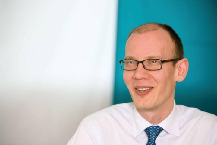 """James Tomlins, Manager des M&G (Lux) Global Floating Rate High Yield Fund:  """"Die zahlreichen Neuemissionen variabel verzinster Hochzinsanleihen haben den Markt diversifiziert, der nun Zugang zu einem breiten Spektrum von Industriesektoren und Regionen bietet."""""""