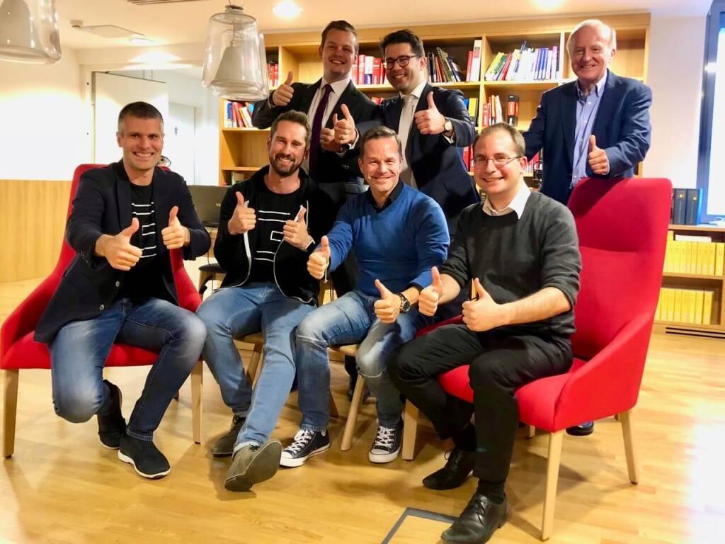 startup300 übernimmt Crowdinvesting-Plattform Conda: Michael Eisler (Vorstand startup300 AG), Daniel Horak (Conda), Hannes Schlager (Brandl & Talos), Bernhard Lehner (Vorstand startup300), Martin Kollar (Brandl & Talos), Paul Pöltner (Conda) und Hans Zavesky (AR-Chef Conda AG), Credit: startup300, © Aussendung (19.11.2018)