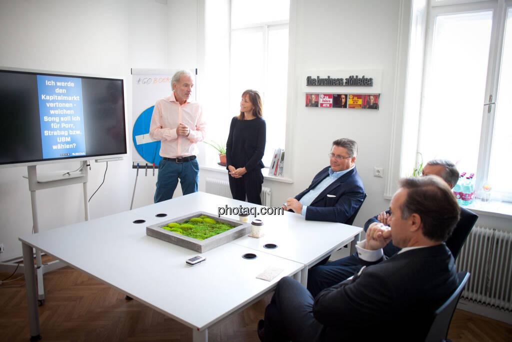 Christian Drastil (BSN), Sabine Gstöttner (Inspirin), Karl-Heinz Strauss (Porr), Thomas Birtel (Strabag), Thomas Winkler (UBM) - Kapitalmarkt vertonen, © Michaela Mejta/photaq.com (21.11.2018)