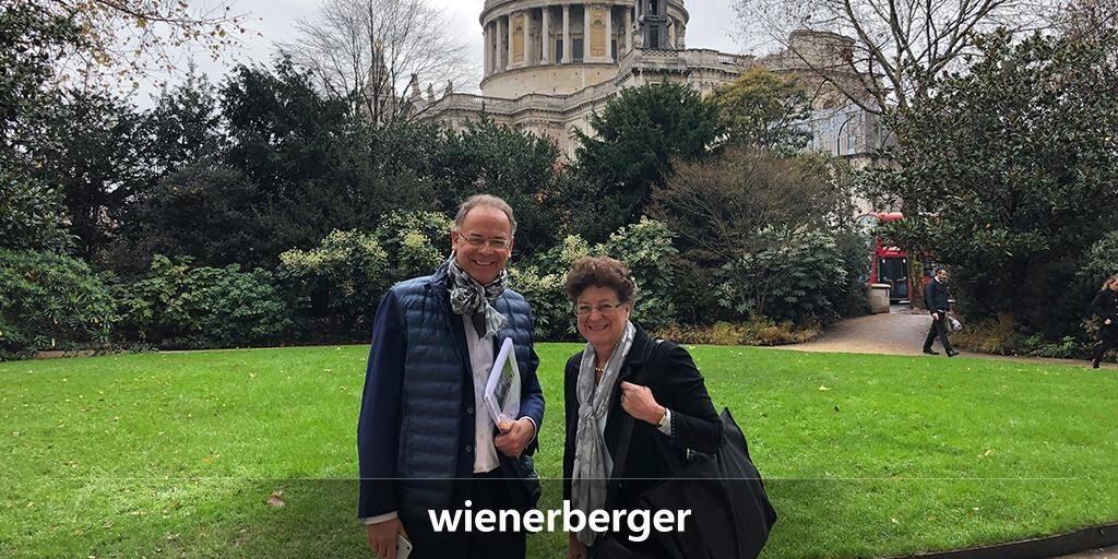 Impressionen von der Wienerberger Corporate Governance Roadshow in London, Großbritannien von CEO Heimo Scheuch und Regina Prehofer, Vorsitzende des Aufsichtsrats der Wienerberger AG. Quelle: LinkedIn (10.12.2018)