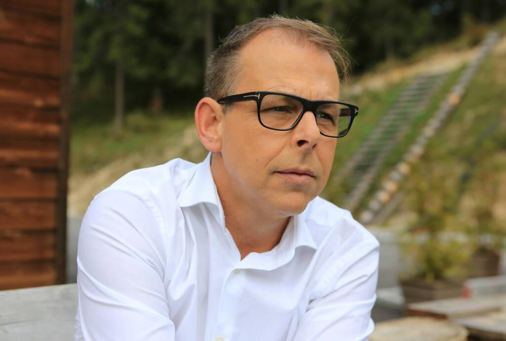 Sportminister Heinz Christian Strache bestellt Gernot Schweizer zum Bundeskoordinator für Bewegung; Fotocredit:Schweizer, © Aussendung (12.12.2018)