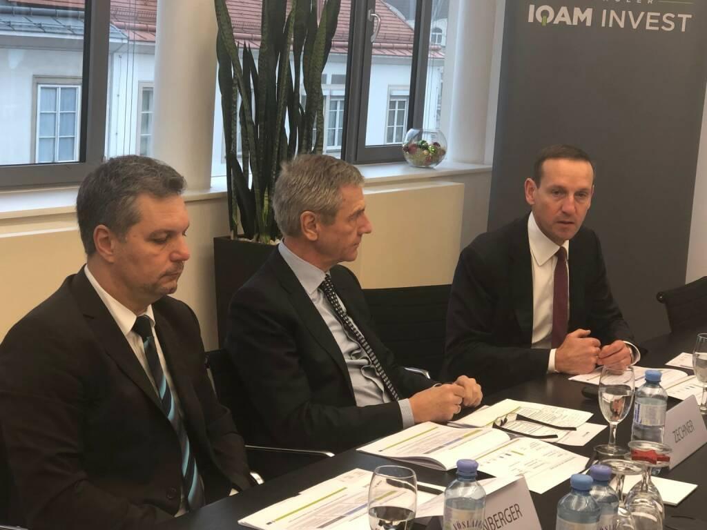 Spängler IQAM Invest gibt Marktausblick auf 2019: v.li. Thomas Steinberger (CIO, Geschäftsführer), Josef Zechner (Mitglied der Wissenschaftlichen Leitung), Markus Ploner (CFA) (13.12.2018)