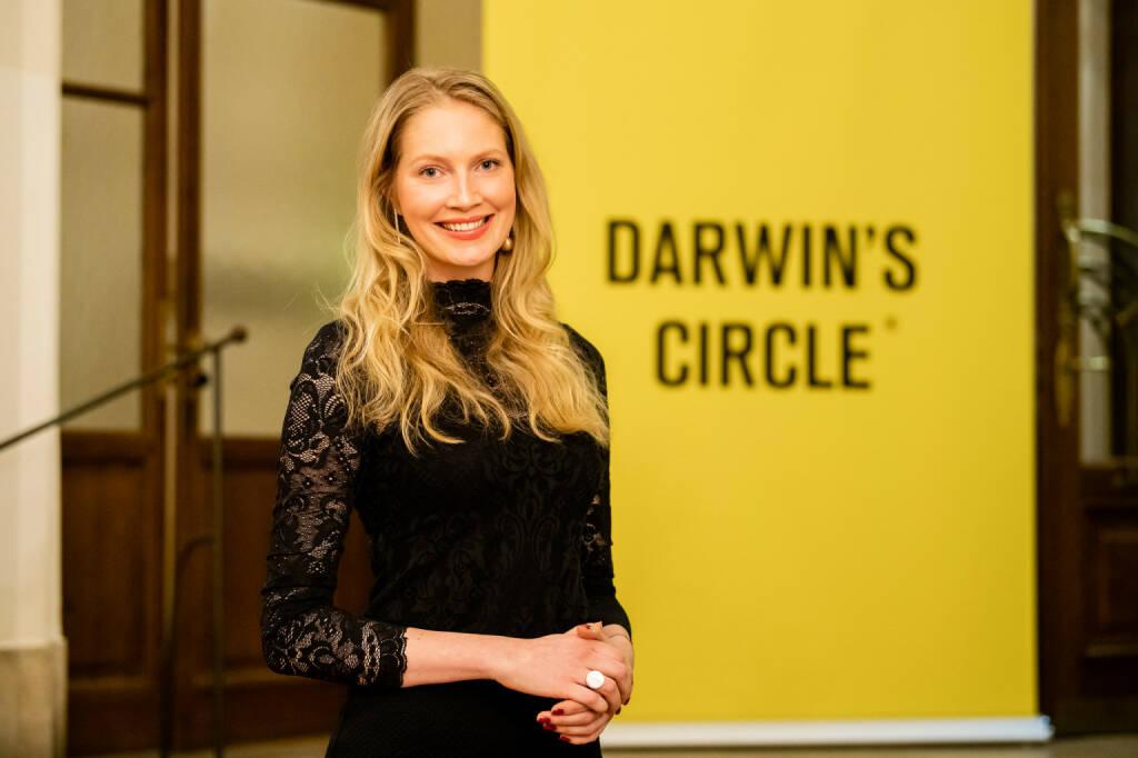 Kathrin Kuess (31) wird zum neuen Managing Director von Darwin's Circle bestellt. Sie wird ab 1.März die Gesamtverantwortung für sämtliche Formate der internationalen Konferenzplattform übernehmen und somit die Internationalisierung und Erweiterung Österreichs führender Digitalkonferenz vorantreiben. Kuess wechselt direkt vom digitalen Buchungs-Giganten Airbnb zu Darwin's Circle. Seit 2016 bekleidete sie bei Airbnb verschiedene Funktionen, zuletzt war sie als Projektmanagerin für Change Management und Digital Innovation in der EMEA-Zentrale in Dublin verantwortlich. Fotocredit:(c) Klaus Ranger (20.01.2019)