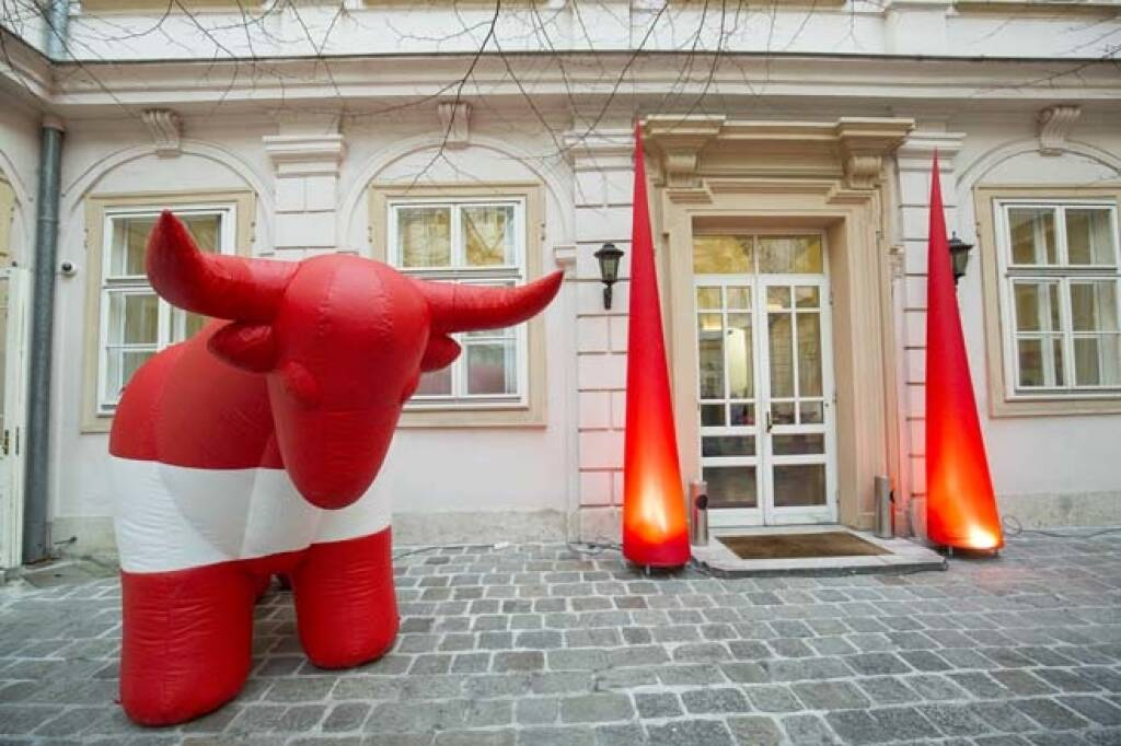 Wiener Börse, direct market, Listing, ATX, Gebäude, Bulle, Credit: APA-Fotoservice, &copy; <a href=