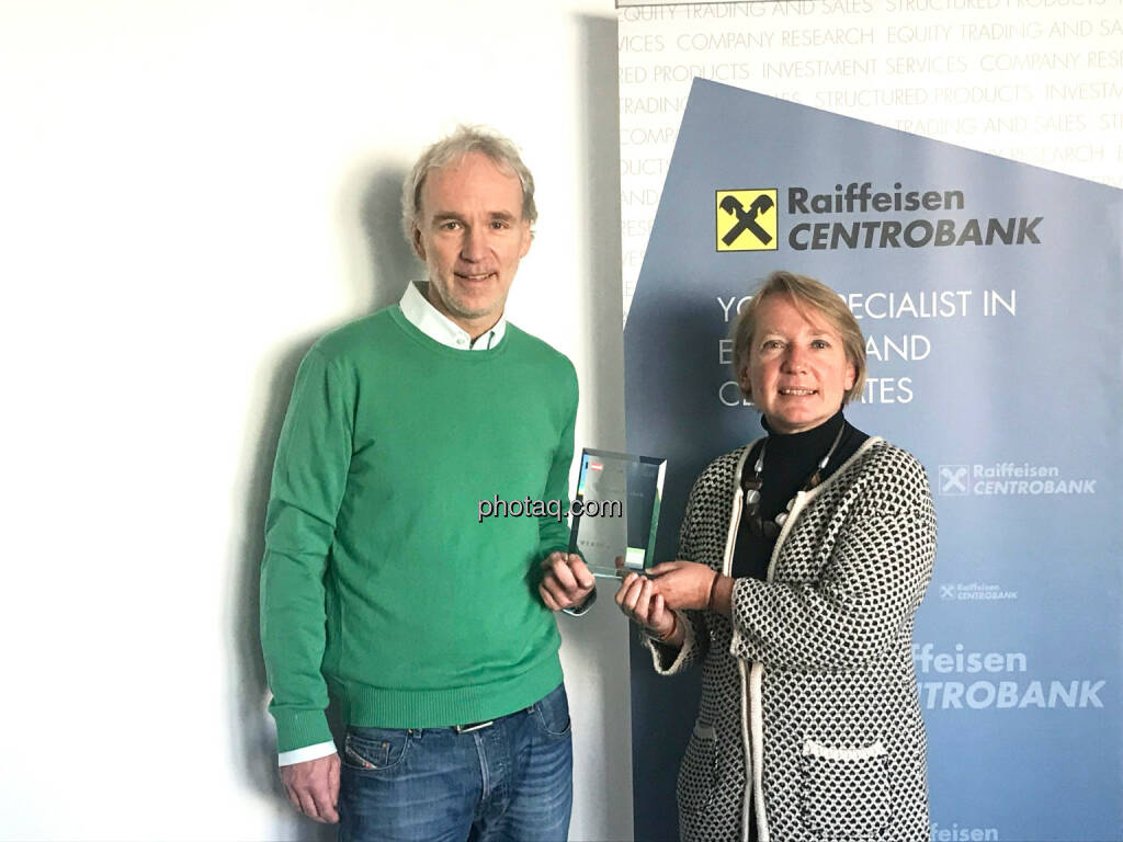 Christian Drastil (BSN), Heike Arbter (Managing Director RCB) - Number One Awards 2018 - Structured Products RCB, © photaq (30.01.2019)