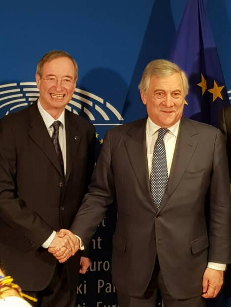 Der Präsident der Europäischen Wirtschaftskammern EUROCHAMBRES, Christoph Leitl, und der Präsident des Europäischen Parlaments, Antonio Tajani, haben ein Memorandum für eine Partnerschaft im Vorfeld der Europawahlen unterzeichnet. Die Partnerschaft wird durch das EUROCHAMBRES Netzwerk von über 800 Wirtschaftskammern in der gesamten EU dazu beitragen, die Europäer im Vorfeld der Europawahlen verstärkt zu informieren. Credit: WKÖ, © Aussendung (31.01.2019)