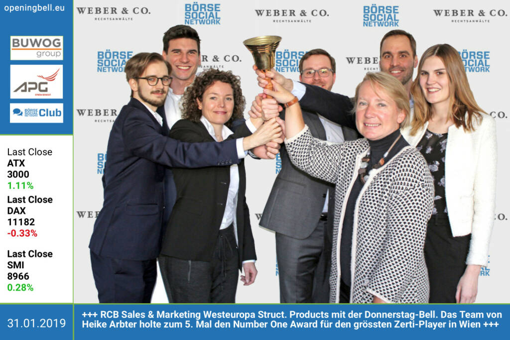 31.1.: Thomas Pusterhofer, Martin Rainer, Marianne Kögel, Thomas Mairhofer, Heike Arbter, Philipp Arnold, Vera Buttinger - RCB Sales & Marketing Westeuropa Structured Products mit der Opening Bell für Donnerstag. Das Team von Heike Arbter holte zum 5. Mal den Number One Award für den grössten Zertifikate-Player in Wien. Infos und das Übergabe-Bild unter https://boerse-social.com/numberone/2018 http://www.rcb.at https://www.facebook.com/groups/GeldanlageNetwork (31.01.2019)