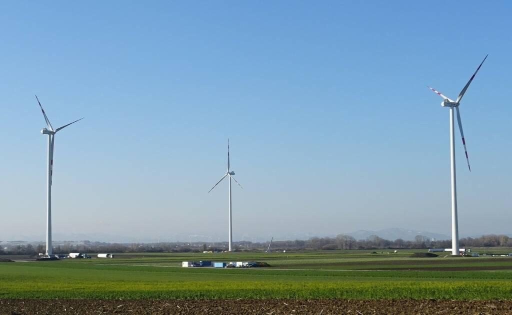 EVN: Nach einer planmäßigen Bauzeit von sieben Monaten startet der neue Windpark Au am Leithaberge seinen Betrieb. Mit einer Gesamtleistung von knapp 18 MW liefern die fünf modernen Windkraftanlagen von nun an 100% erneuerbaren Strom für über 10.000 Haushalte in der Region. Credit: EVN, © Aussender (05.02.2019)