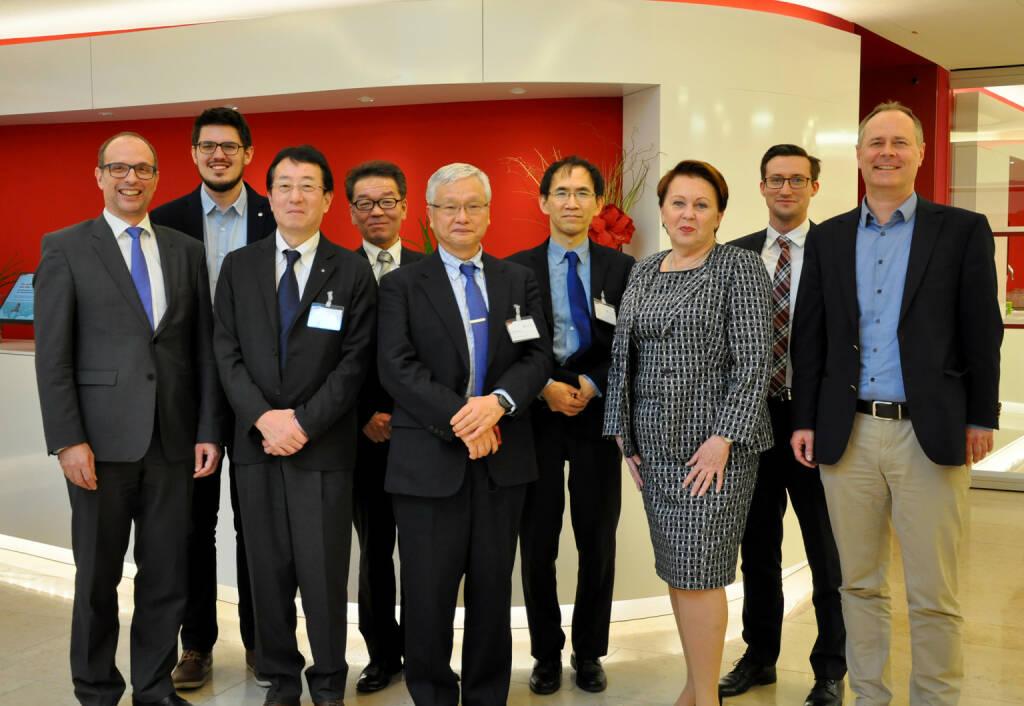 Am 1. Februar 2019 ist das EU-Japan Wirtschaftspartnerschafts- und Freihandelsabkommen in Kraft getreten. Damit sind neue Chancen für österreichische Unternehmen verbunden: nicht-tarifäre Handelsschranken werden abgebaut und der Zugang zu Ausschreibungen in Japan wird erleichtert.; v. li. n. re.: Wolfgang Steigenberger (A.S.I.), Philipp Halder (A.S.I.), Haruhiro Saito (JSA), Tsutomu Sekiguchi (JSA), Shuji Hirakawa (JSA), Makoto Oashi (JSA), Elisabeth Stampfl-Blaha (A.S.I.), Walter August Laserer (A.S.I.), Erich Zeisl (A.S.I.); Copyright: Austrian Standards, © Aussender (22.02.2019)
