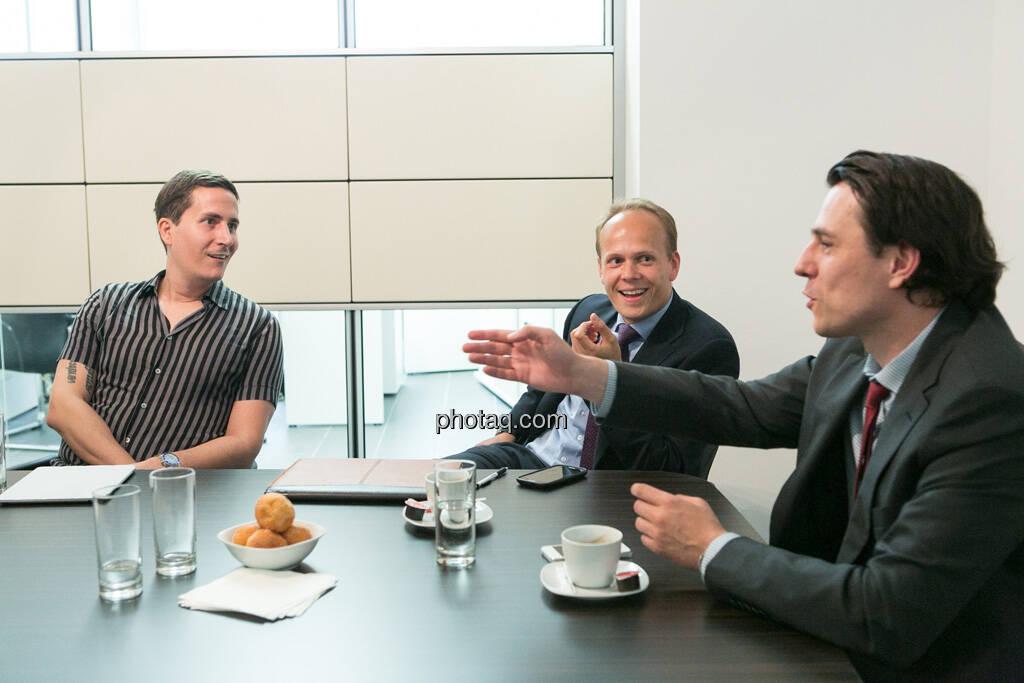 Robert Zikmund (FM4), Ronald Stöferle (Incrementum, Rudolf Brenner (Philoro)), © finanzmarktfoto.at/Martina Draper (19.06.2013)