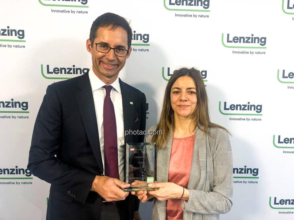 Stefan Doboczky (Lenzing), Christine Petzwinkler (BSN) - Number One Awards 2018 - Nachhaltigkeit Lenzing, © photaq (14.03.2019)