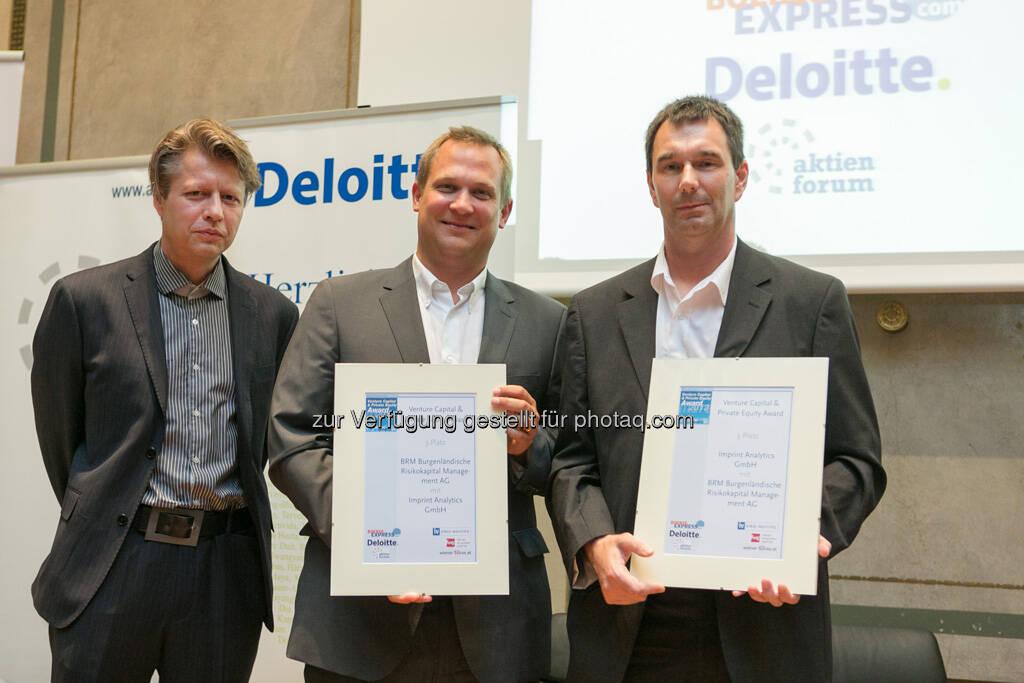 Platz 3 für Imprint Analytics GmbH und BRB Burgenländische Risikokapital Beteiligungen AG: Robert Gillinger (Börse Express), Georg Schönbauer (BRB), Bernd Bodiselitsch (Imprint Analytics), © Martina Draper für BE (20.06.2013)