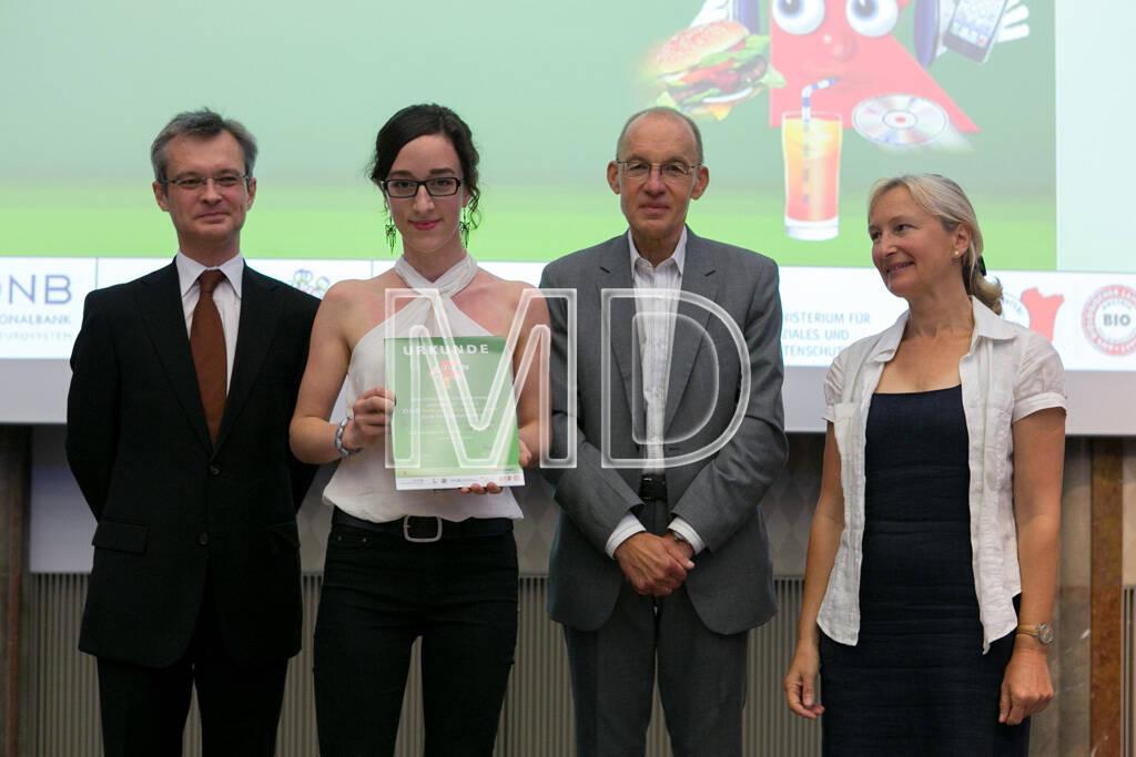 """1. Platz OeNB-Sonderpreis """"Wirtschaft und Finanzen:  Altersgruppe 1993-1996: Das EU-Budget im Fokus österreichischer Medien, Sophie Maurer, Wien , &copy; <a href="""