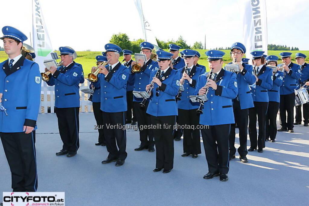 75 Jahre Lenzing: Blasmusik, © cityfoto.at (23.06.2013)