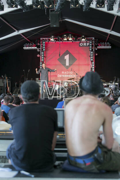 """Wiener Donauinselfest 2013, OE 1 Kulturinsel, Ingo Vogl """"Gsundheit"""", weitere Bilder unter: http://martina-draper.at//2013/06/24/wiener_donauinselfest_2013#bild_11088, © Martina Draper (24.06.2013)"""