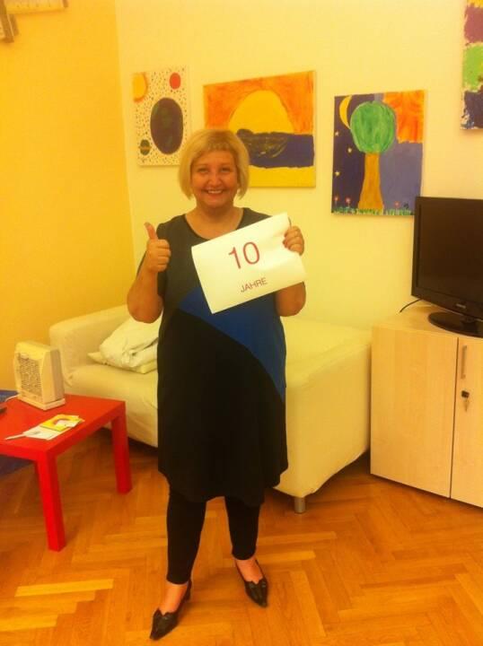 Martina Malyar (SPÖ) feiert heute 10 Jahre Bezirksvorsteherin in 1090 Wien. Aus 1090 wird auch finanzmarktfoto.at produziert, wir wünschen herzlichst alles Gute!