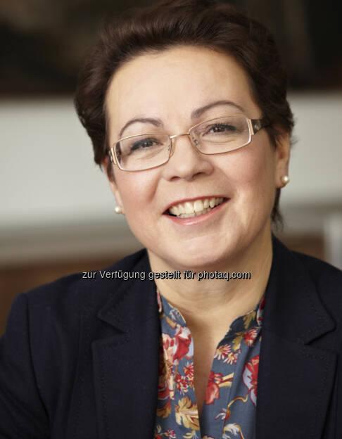 Karolina Offterdinger, Vorstand OeKB Versicherung AG, bringt mit der Easy Pauschal ein neues Produkt speziell für KMU auf den Markt (27.06.2013)