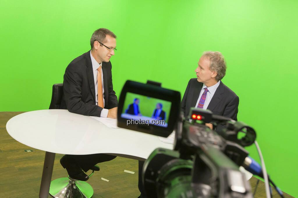 Erste Group Research TV - Günther Artner (Erste Group), Christian Drastil (CD Comm.), © Martina Draper (15.12.2012)