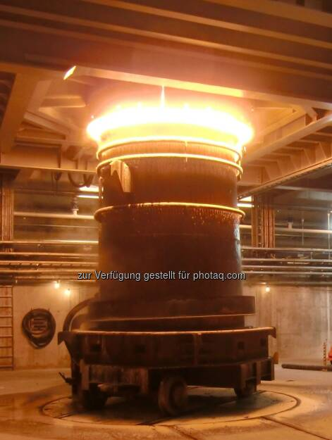 RHI Fusion: Einer der 10 Schmelzöfen, in denen Magnesit bei mehr als 2000 Grad zu Schmelzmagnesia mit einem Magnesiagehalt von 99  geschmolzen werden (c) RHI  (15.12.2012)