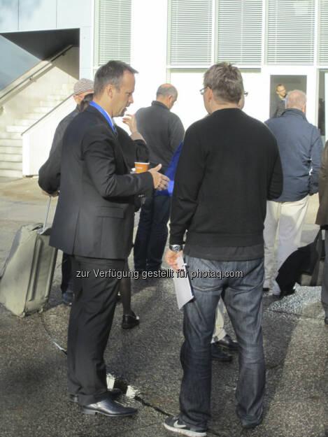 IRW-Press CEO und Chefredakteur des Smallcap-Investor im Gespräch mit Abonnenten., © IRW-Press (15.12.2012)