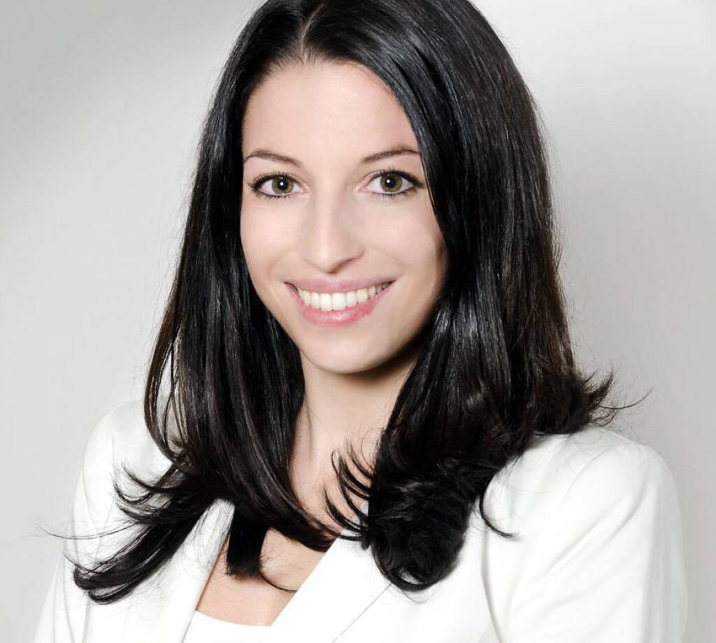Bianca Herzog verantwortet ab sofort die Unternehmenskommunikation von Helvetia: Die 27-jährige Kommunikationsexpertin ist in dieser Funktion für die internen und externen Kommunikationsaktivitäten sowie für die Corporate Responsibility (CR) Agenden und das Beschwerdemanagement des Unternehmens verantwortlich. (08.07.2013)