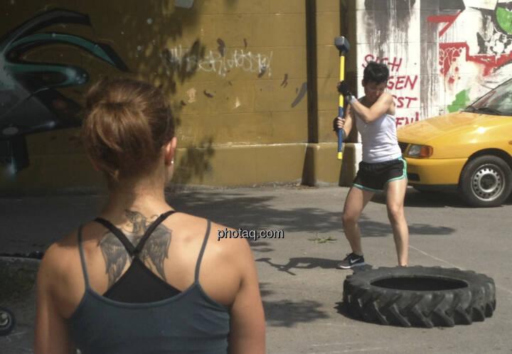 Muskeln am Donaukanal, Hammer
