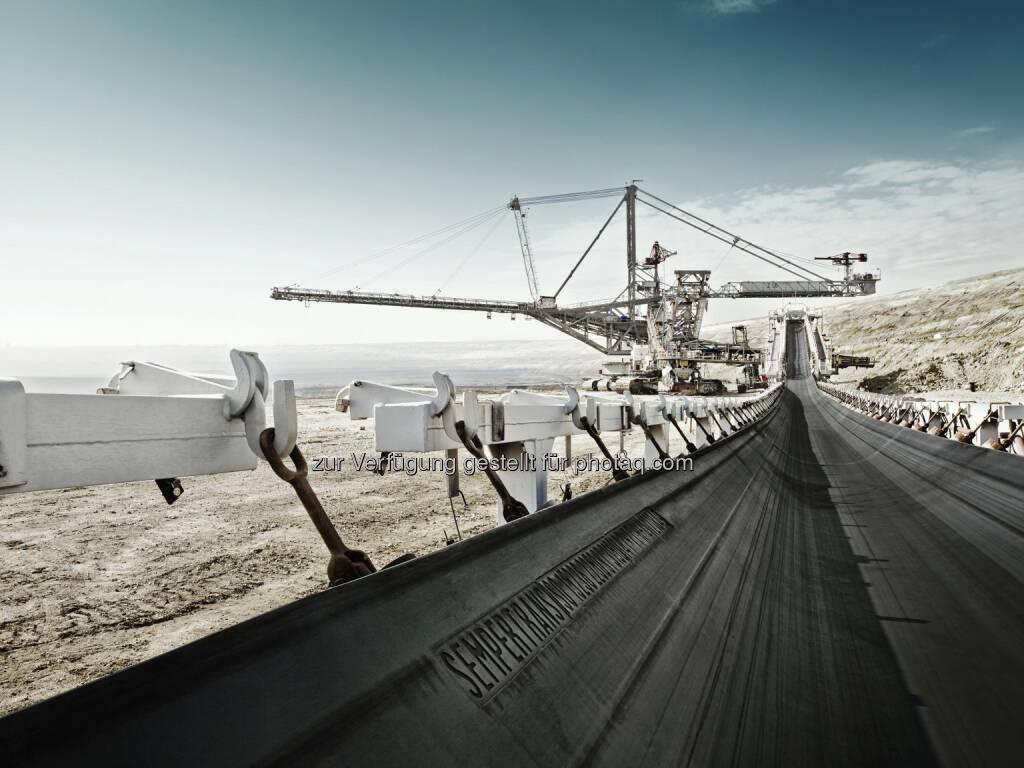 Kohlegrube in Belchatow - Semperit: Grossinvestition am Förderbandstandort Belchatów in Polen (15.07.2013)