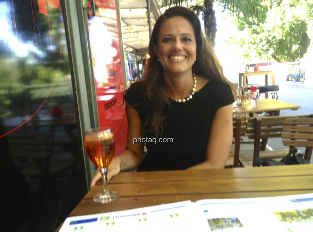 ... im Talk mit Milena Ioveva, IR Porr - siehe http://www.christian-drastil.com/newsletter/preview/42 (16.07.2013)