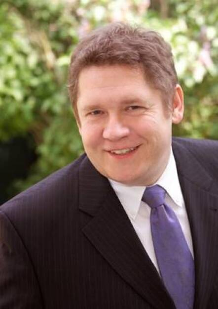 Alexander Froschauer (45) ist neuer Leiter Fixed Income bei AXA Investment Managers in Deutschland. Seit Anfang Juli trägt er in dieser Funktion die Gesamtverantwortung für die direkten Versicherungsanlagen im festverzinslichen Bereich. Darüber hinaus ist er für die weitere Entwicklung des Bereiches Fixed Income in Deutschland und Österreich zuständig (c) Aussendung (16.07.2013)